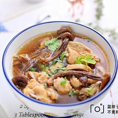 鹿茸菇鸡汤