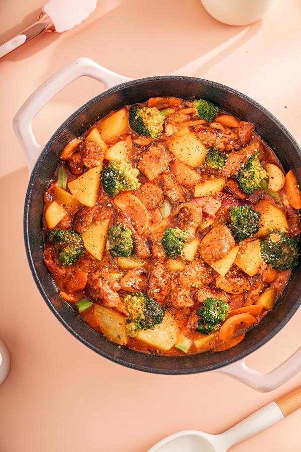 减脂期的神仙料理~意式鸡胸肉蔬菜锅
