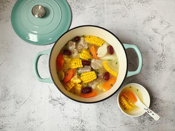 连吃三碗的玉米排骨汤的做法