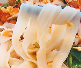 简易、好看、好吃还健康少脂的《西红柿鸡蛋青椒拌面》的做法
