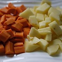 土豆排骨焖饭—周末一个人的快手午餐的做法图解2