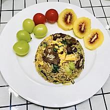 #换着花样吃早餐#青菜鸡蛋牛肉炒饭