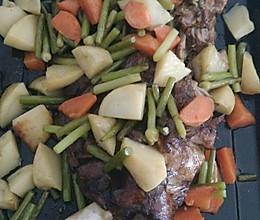电烤箱生烤羊腿的做法