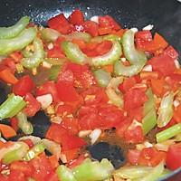 藏红花风味海鲜汤#十二道锋味复刻#的做法图解7