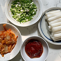韩国泡菜炒年糕的做法图解1