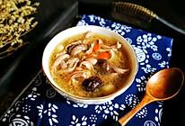 #春天肉菜这样吃#香菇红枣花生猪肚汤的做法