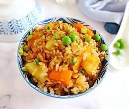 胡萝卜腊肠焖饭的做法