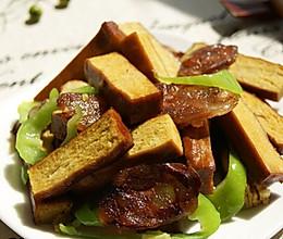四川豆腐干炒腊肠的做法