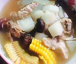 排骨玉米萝卜汤#春天不减肥 ,夏天肉堆堆#的做法