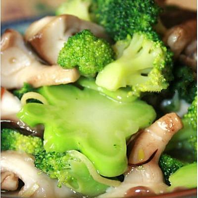 西兰花炒香菇