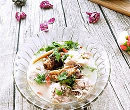 一碗让你神清气爽的营养汤_天麻当归鸡的做法