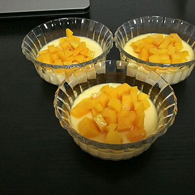 芒果布丁(不用任何添加剂不用烤箱)