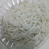 腊味焖米粉的做法图解1