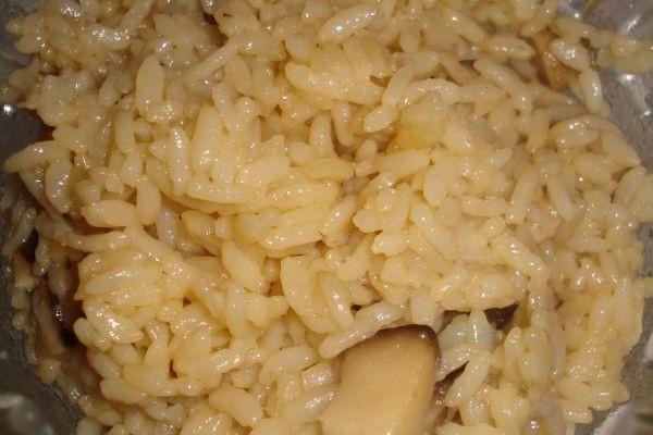 让米饭不单调的——六月鲜香菇米饭的做法