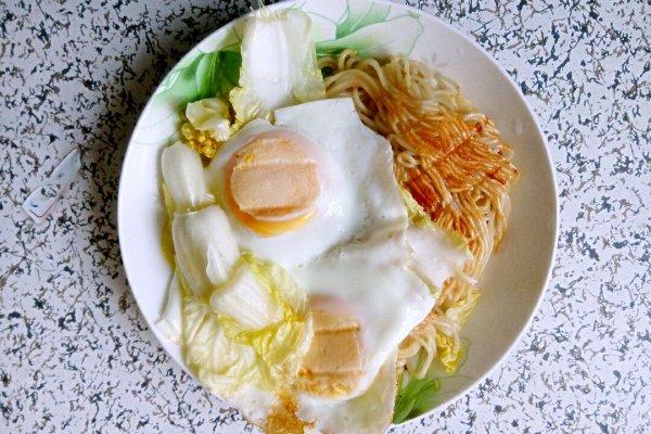 大喜大牛肉粉试用之鸡蛋炒面的做法