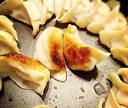 不用肉皮冻照样有汤汁的锅贴——利仁电火锅试用菜谱的做法