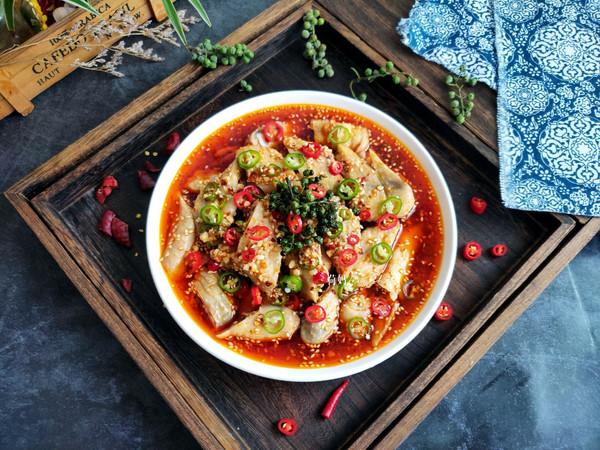 藤椒红油口水鸡的做法