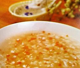 保健食谱:幼儿成长--胡萝卜鲜鱼粥的做法