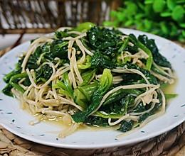 #春季食材大比拼#菠菜炒金针菇的做法