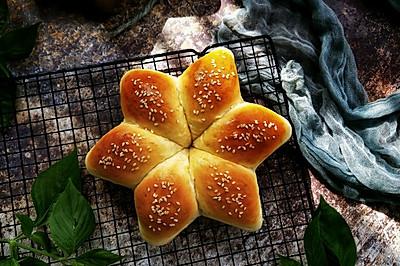 #金龙鱼精英100%烘焙大赛颖涵战队#柔软香甜六角形豆沙面包