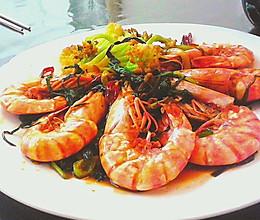 葱油天然野生对虾:香辣美味的口感…好吃的做法