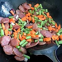 腊肠焖饭的做法图解5