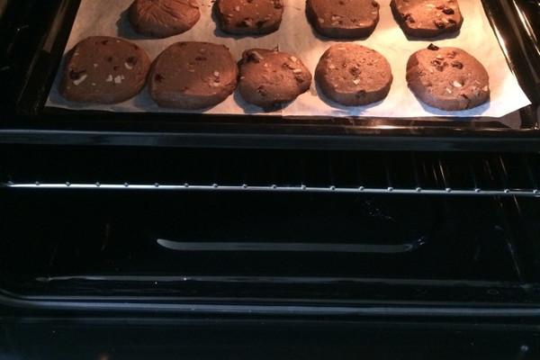 肉桂可可杏仁葡萄干饼干的做法