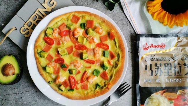 """#2021趣味披萨组——芝香""""食""""趣#小清新鲜虾牛油果披萨的做法"""