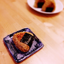 日式烤饭团(焼きおにぎり)