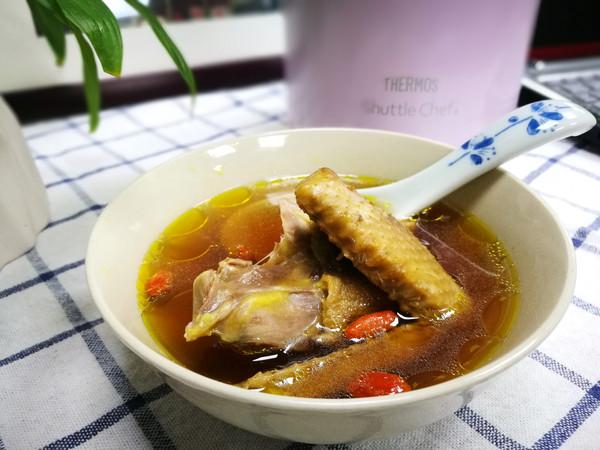 杜仲党参乳鸽汤的做法