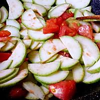 西葫芦番茄炒蛋的做法图解5