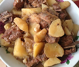排骨炖土豆(有汤版)的做法