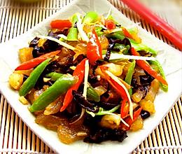 燃烧脂肪加速新陈代谢的美容私房菜:【双椒牛蹄筋】的做法