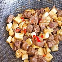 #花10分钟,做一道菜!#茭白牛排粒的做法图解8