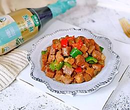 牛肉粒炒彩椒的做法