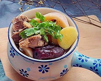 缅甸新葡京猪腰莲藕汤
