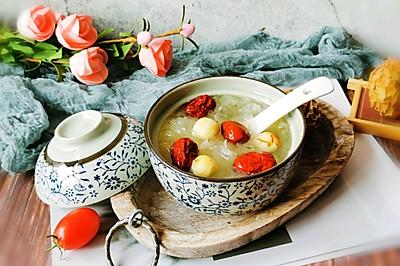 #快手又营养,我家的冬日必备菜品#红枣银耳莲子汤