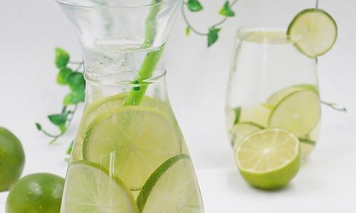 青柠檬苏打水(自制苏打水)的做法