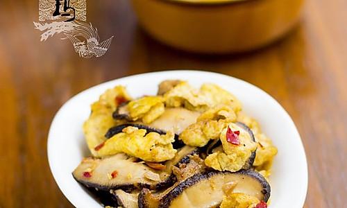 强烈推荐的美味下饭菜——香菇剁椒炒蛋 的做法