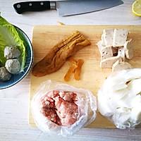 日常必备牛肉丸粿条汤的做法图解1