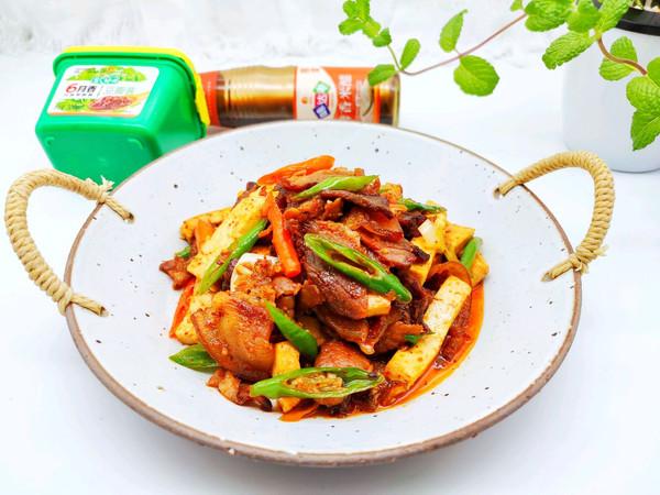豆腐炒腊肉的做法
