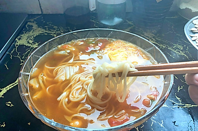 青椒肉丝白菜番茄鸡蛋面