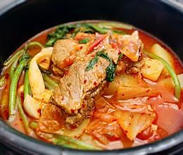 泡菜排骨土豆汤 再来一碗米饭!的做法