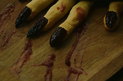 恐怖女巫手指饼干
