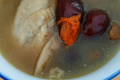 家庭版砂锅清炖鸡汤