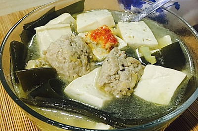 肉丸海带豆腐汤
