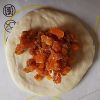 咸蛋黄肉松小面包的做法图解10