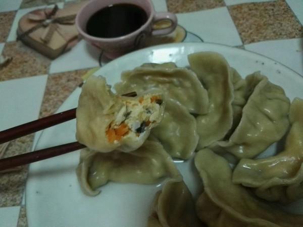 胡萝卜鸡蓉虾蓉水饺的做法