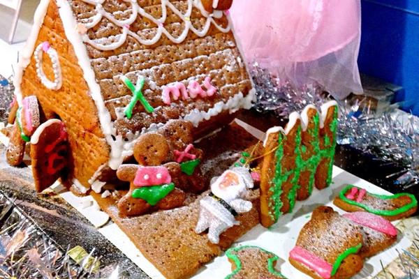 圣诞节之姜饼屋的做法