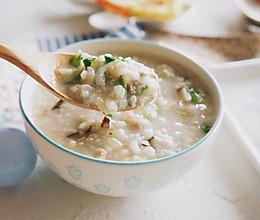 香菇虾皮瘦肉糙米粥的做法